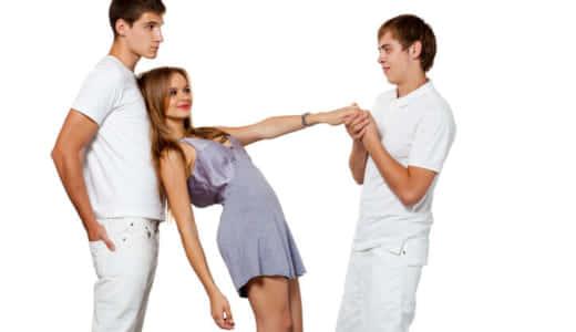 彼女が他の男に目移りしてる!?男性が嫉妬する瞬間、浮気見破りポイント等