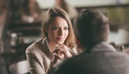 女性から恋愛相談されたら脈あり?男性に恋愛相談する女性の心理とは?