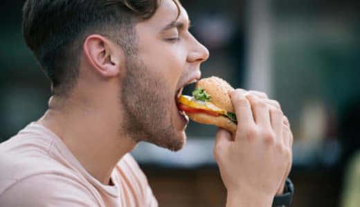 筋トレ後はマクドナルドのハンバーガーがベスト!?減量期・増量期の食べ方も解説