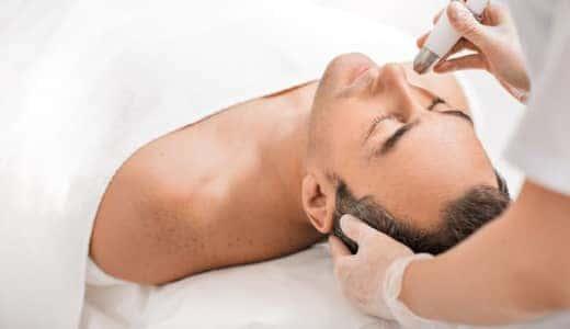 男性も「美顔器」が必須の時代?オススメ商品と美肌を手に入れる使い方を解説